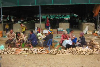 Market in Sam Neua